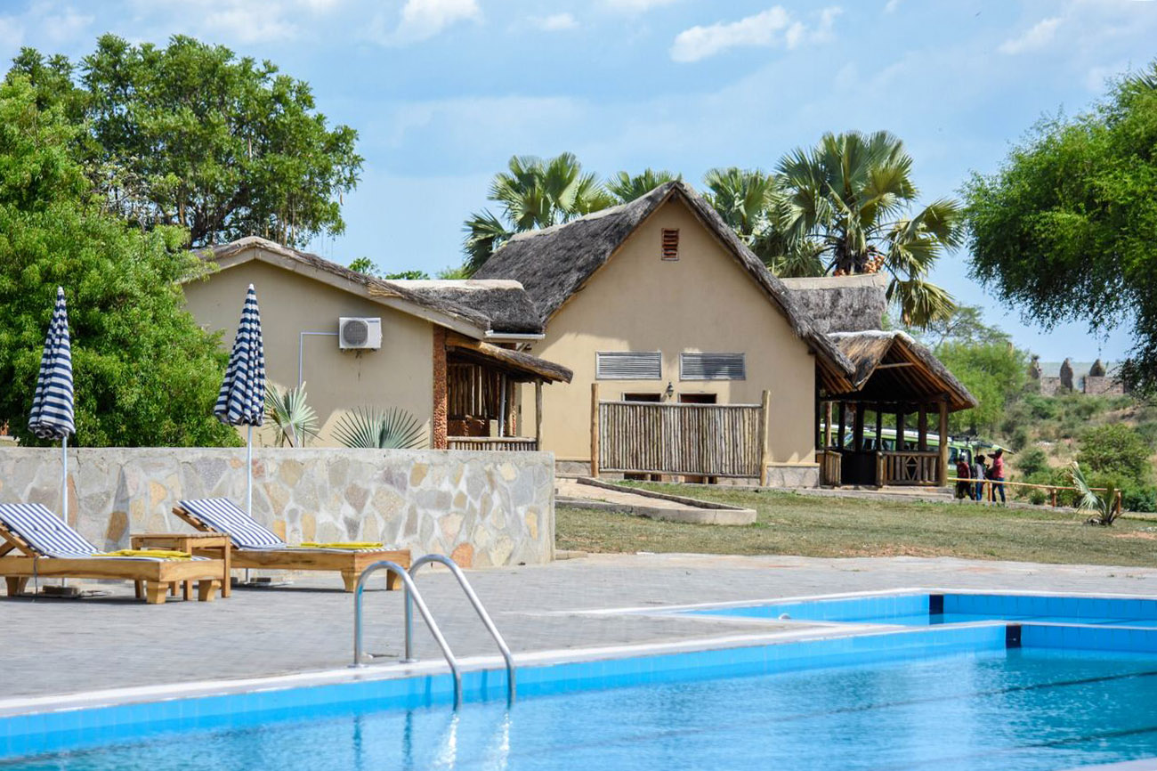 Pakuba Safari Lodge swimming pool Murchison falls national park northern Uganda