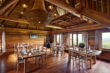 Dining room at Kyaninga Lodge .
