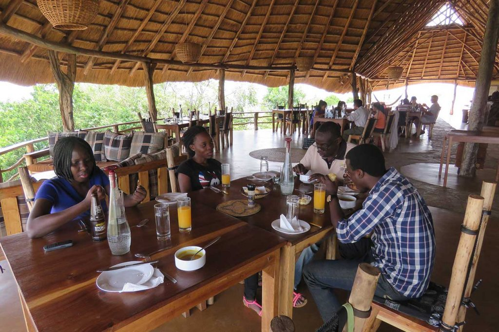 Rwakobo Rock Hotel restaurant