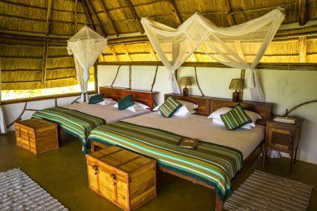 Baker's Lodge twin beds, Murchison Falls national park, Uganda
