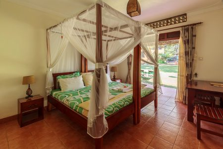 Entebbe Airport Guest House double room, Uganda